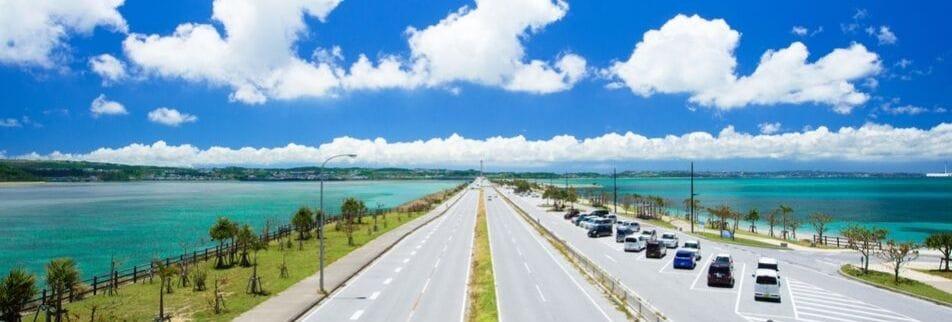 沖縄の格安レンタカー|コミコミ価格でお得|ホテルや空港への配車|格安マロズレンタカー